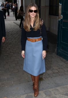 olivia-palermo-blue-midi-skirt-winter-trend-glamour