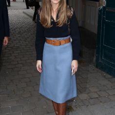 olivia-palermo-blue-midi-skirt-winter-trend-glamour