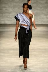 54aa96bf32cbf_-_elle-nyfw-spring-2015-trends-one-shoulder-tome-01-xln-elv
