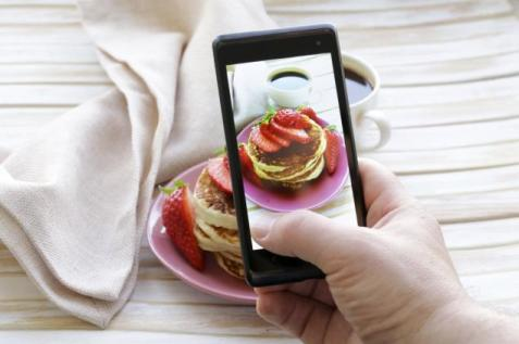 cell-phone-food-picture