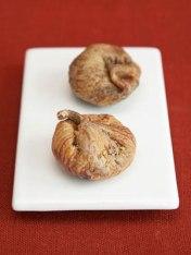 2 medium figs