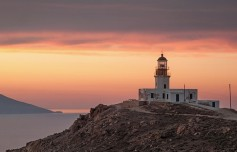 mykonos-lighthouse